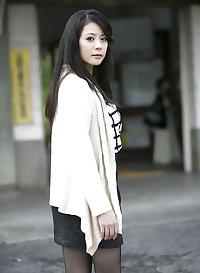 Nana Aida - Beautiful Japanese Pantyhose