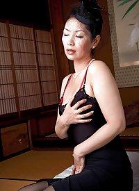 Japanese Widow Mom Chisato Shouda Is Lonely