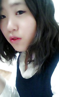 Korean girl takes self pics