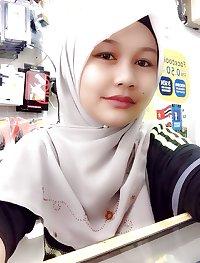 Melayu tudung putih melepak