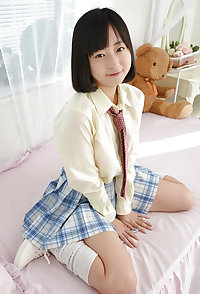 Japanese cute girl pantie shots (Sumire) 42