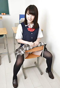 Japanese cute girl pantie shots (Rino) 28