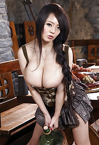 Hitomi - Guten Appetit - Bon appetit - Enjoy your meal