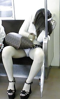 Japanese Girl Upskirts 18