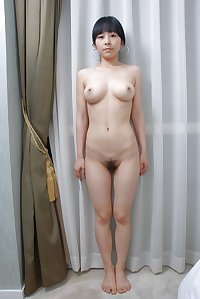 AMATEUR - NAKED ASIAN GIRLS STANDING 02