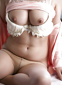Kimika Ichijo - Beautiful Japanese MILF