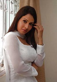Beautiful Indian Girl 18-- By Sanjh