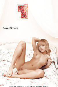 SNSD Girls' Generation Jessica Fakes